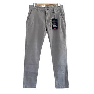 NWT - Levi's XX Chino Slim Taper Fit Size 32 x 30
